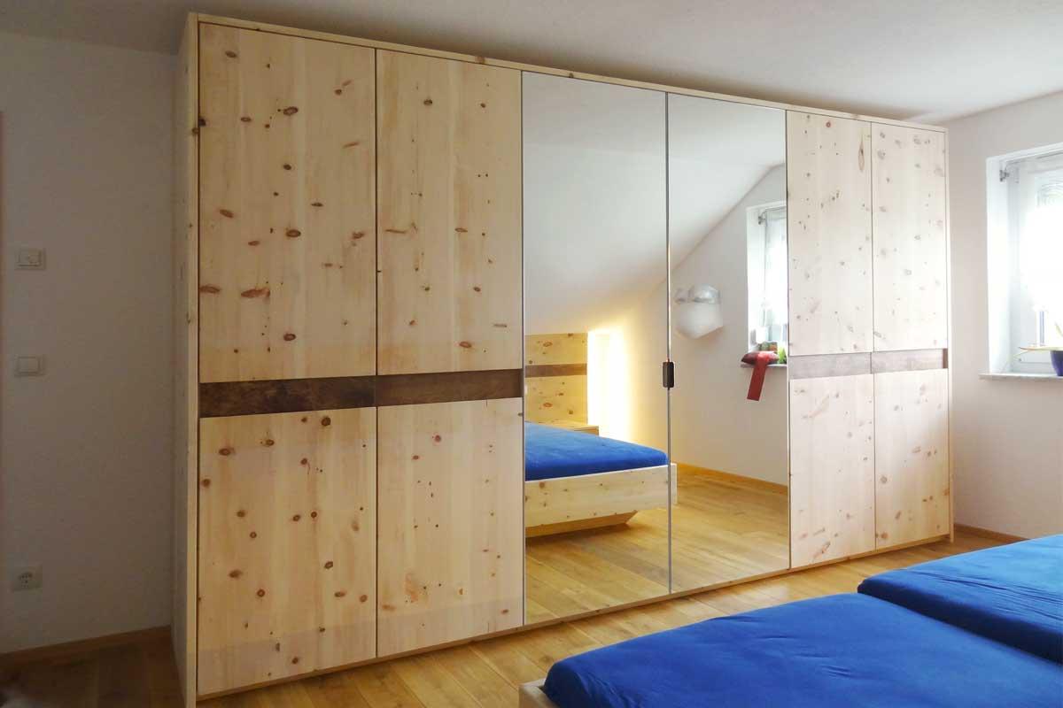 Schlafzimmer Zirbe Schrank