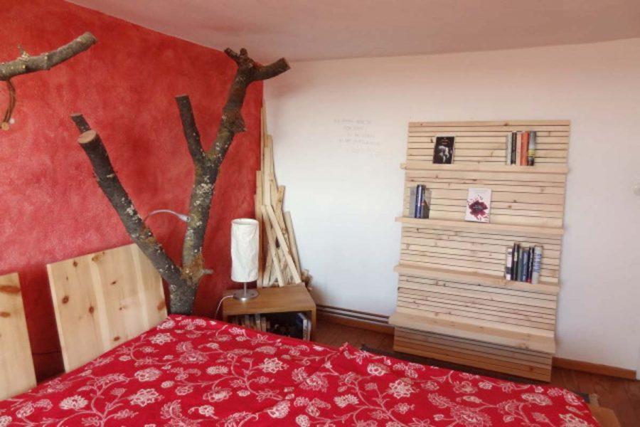 Zirbenregal Schlafzimmer